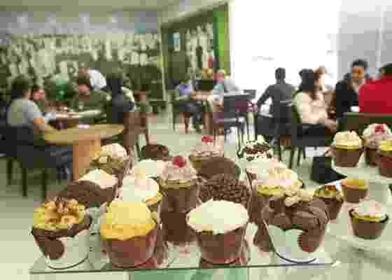 Degustação de cupcakes oferecida no estande do empreendimento Wonder, da Esser, no bairro do Morumbi, em São Paulo (SP) (23/10/2010) - Fabiano Cerchiari/UOL