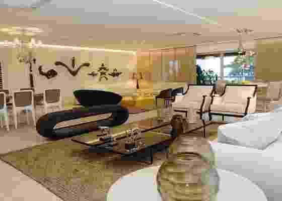 Living, ambiente criado para a Casa Cor Pernambuco, assinado por Romero Duarte - Divulgação