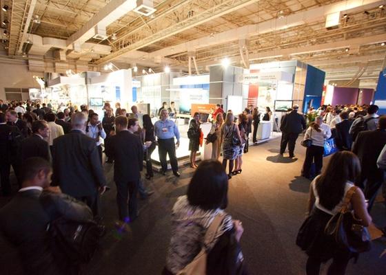Flagrante da mostra Brasil Design Week, no Expo Transamérica, em São Paulo, feira de negócios realizada de 8 a 10 de novembro de 2010 - Fabiano Cerchiari / UOL