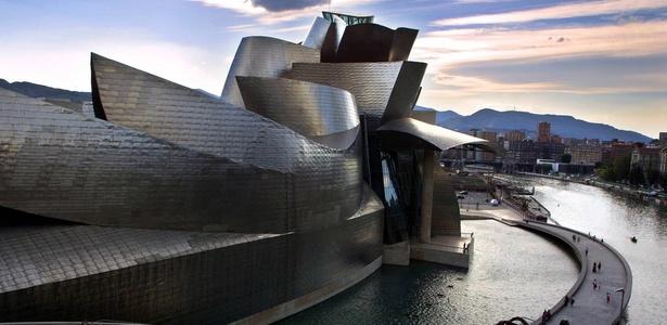 """Museu Guggenheim de Bilbao, Espanha, obra do arquiteto norte-americano Frank O"""" Gehry - Rafa Rivas / AFP"""