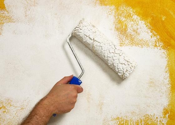 Existem muitas opções de acabamento para renovar sua casa. O cuidado é não se render<br> a modismos e lembrar que um quadro sobre uma parede branca pode ser a melhor solução
