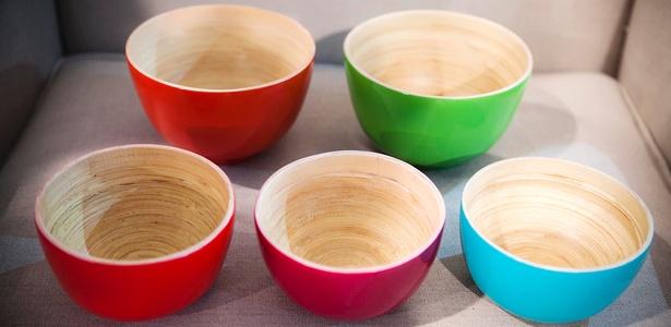 Bowl de bambu prensado, da Ishela, apresentado na Gift Fair de março de 2011 - Lucas Lima/UOL