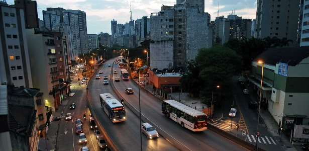 Viaduto Doutor Plínio de Queiroz, o 14 Bis, que fica na região da Bela Vista, em São Paulo