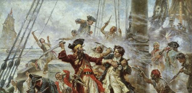 """""""A Captura do Pirata Blackbeard"""" (1718), pintura de Jean Leon Jerome Ferris, onde se vê uma bandeira com a caveira e os ossos pairando sobre a confusão da batalha"""