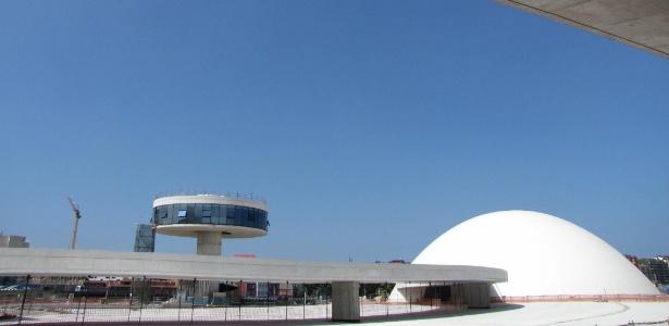 Centro Niemeyer em Avilés, Espanha, que deve ser com apenas seis meses de atividades