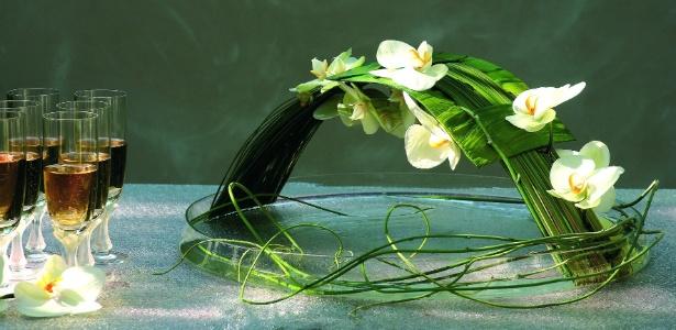 Arranjo criado pela florista francesa Marie Françoise Deprez com orquídeas phalaenopsis - Divulgação