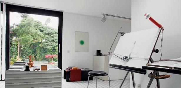 Est&#250;dio instalado na resid&#234;ncia Kronberg House, perto de Frankfurt, na Alemanha, do arquiteto<br> e designer da Braun, Dieter Rams, em 1971