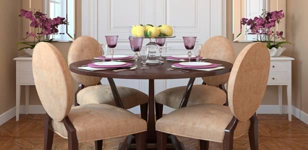 Letra De Sala De Estar ~ Sala de jantar tem decoração em estilo clássico e cores claras e