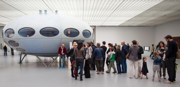 """O protótipo da casa móvel """"Futuro"""" no museu Boijmans van Beuningen, em Roterdã, Holanda"""