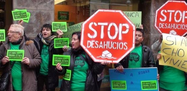 Espanhóis organizam barreiras contra ações de despejo  - Movimento 15 M - Stop Despejos/Divulgação