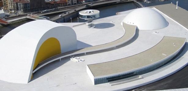 Centro Niemeyer, na Espanha, que deve fechar após seis meses de funcionamento - Centro Cultural Niemeyer de Avilés/Divulgação
