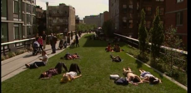 """Parque suspenso """"High Line"""", em Nova York, vira tema de livro - REprodução/BBC"""