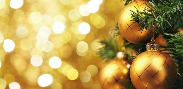Escolha um tema para decorar sua árvore de Natal, invista nas luzes e fuja dos excessos - Getty Images