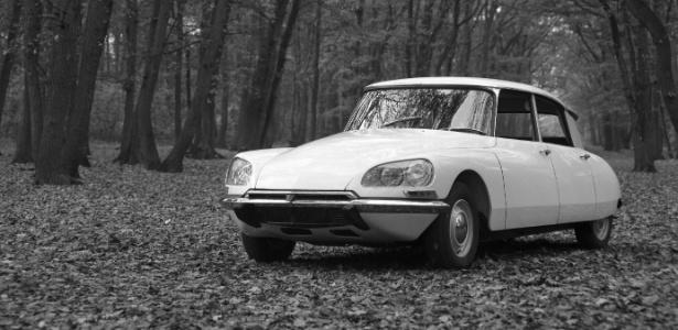 """O """"Citroën DS-19"""", a pronúncia francesa das letras """"D"""" e """"S"""" soa como """"déesse"""" ou """"deusa"""""""