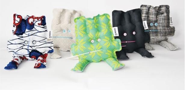 Pop-its, bonecos feitos a partir de roupas usadas, criados pelo designer Kevin Caboor , da Design de Eindhoven, na Holanda - Design Academy Eindhoven
