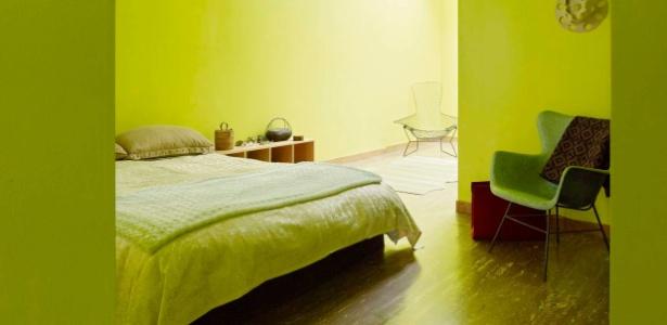 O quarto da casa de 1907 em São Francisco foi completamente pintado de verde-limão - Matthew Millman/The New York Times